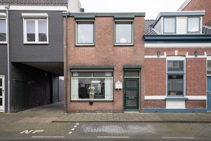 Beekstraat 16 in Breda 4814 BL