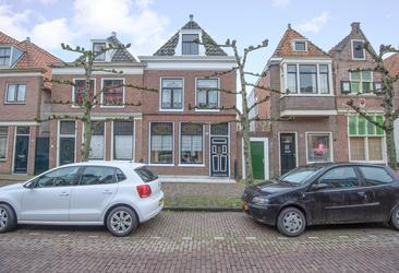 Ramen 19 in Hoorn 1621 EK