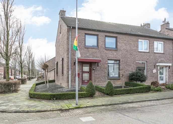 Nuinhofstraat 38 in Nuth 6361 BD
