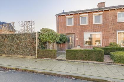 Ruys De Beerenbroucklaan 42 in Urmond 6129 HC