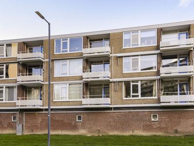 Bart Verhallenplein 32 in Schiedam 3122 TC