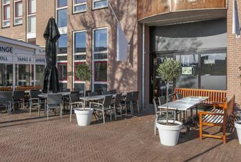 Restaurant met terras te koop in de havenkom van Almere Haven