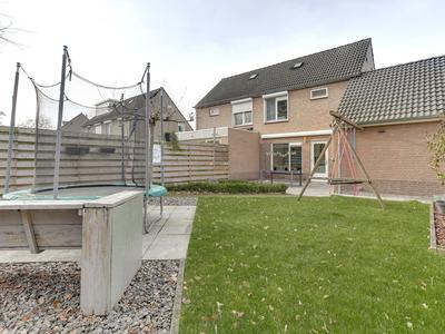 Adelaarshorst 53 in Roermond 6043 RN