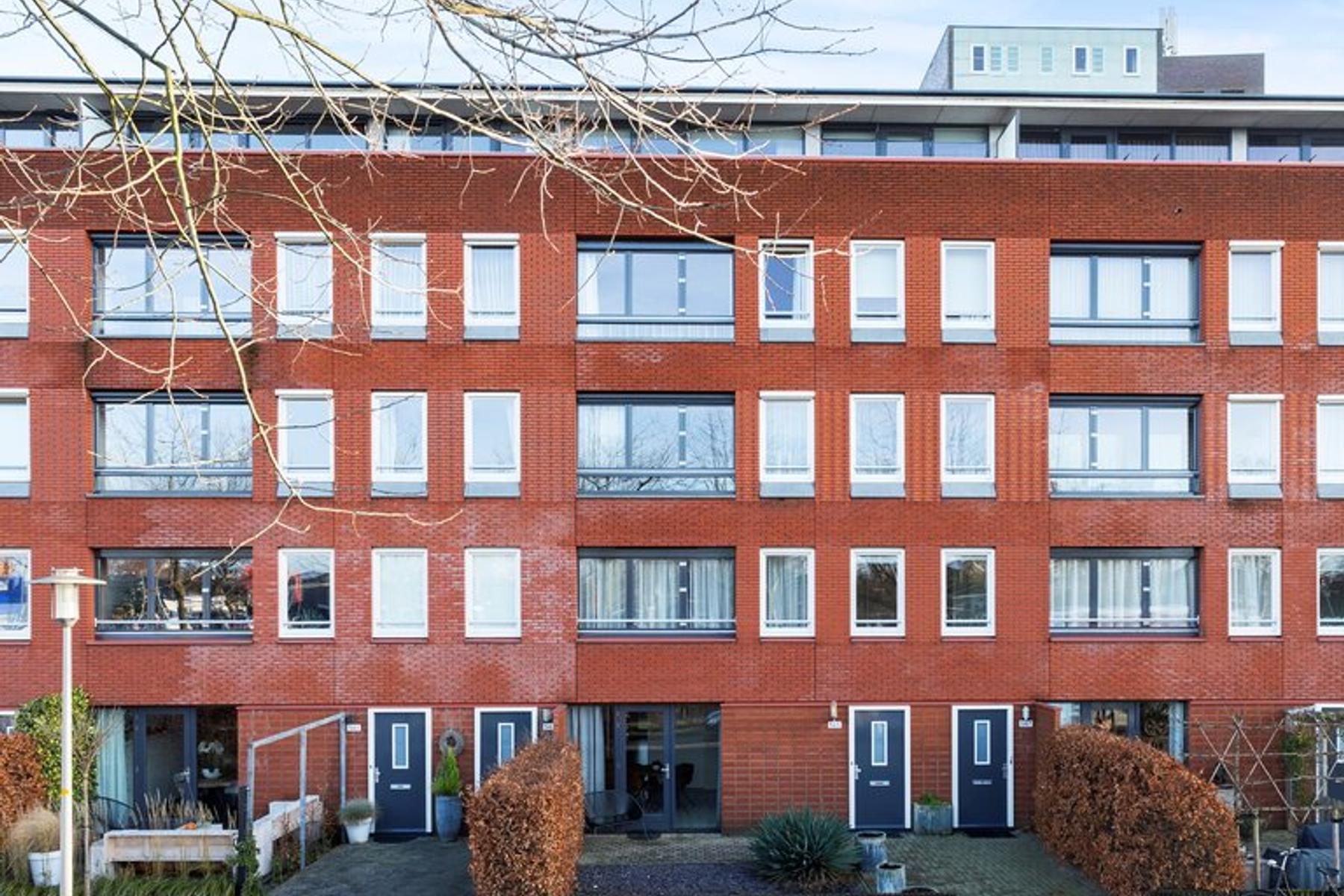 Burgemeester Jhr. Quarles Van Uffordlaan 565 in Apeldoorn 7321 ZW