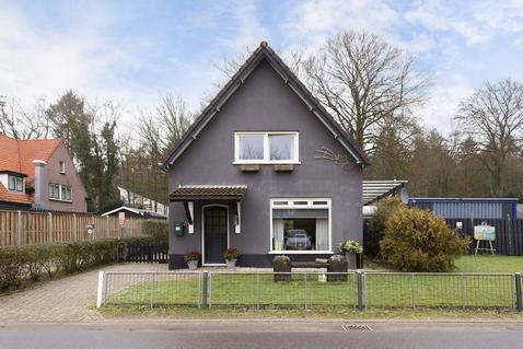 Middenweg 13 in Hoenderloo 7351 BA