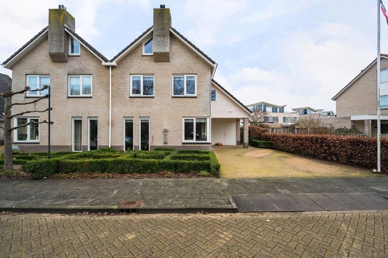 Koraal 16 in Kampen 8265 RS