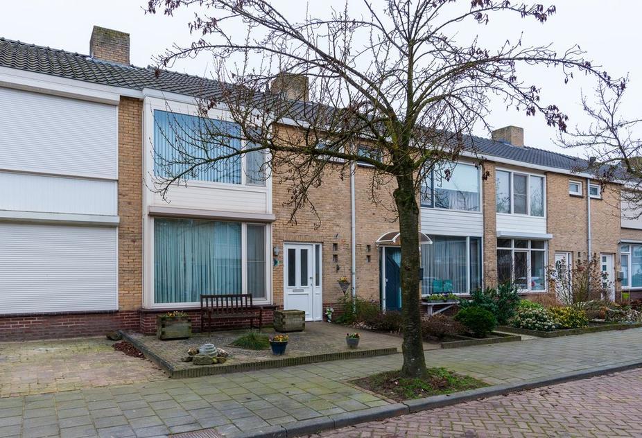 Hubert Van Nispenstraat 17 in Valkenswaard 5554 SN