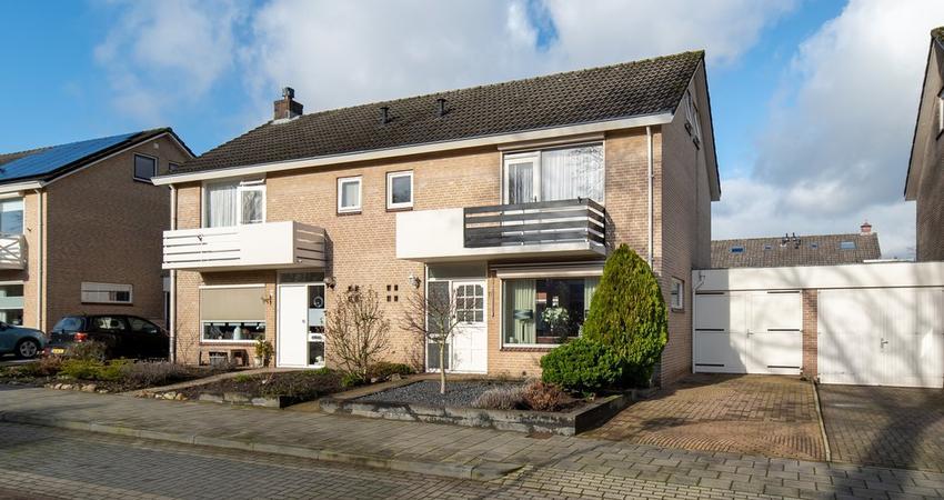 Gerbrand Adriaanszoon Brederodestraat 11 in Rijssen 7461 ZS