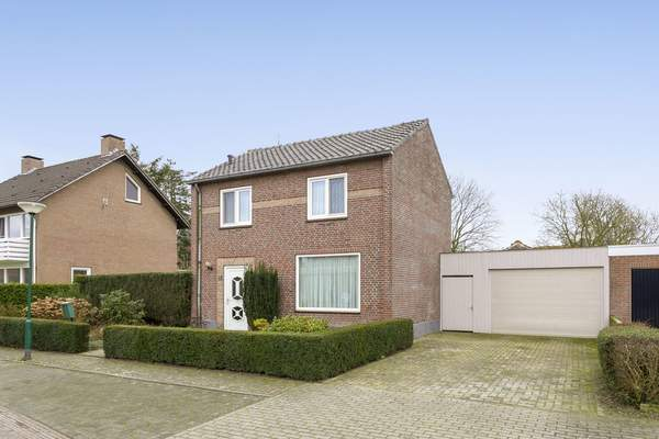 Lindenstraat 12 in Westerhoven 5563 BA