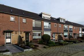 Zwaluwstraat 16 in Bleskensgraaf Ca 2971 BB