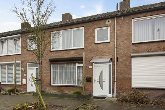Weissenbruchstraat 64 in Roosendaal 4703 JW
