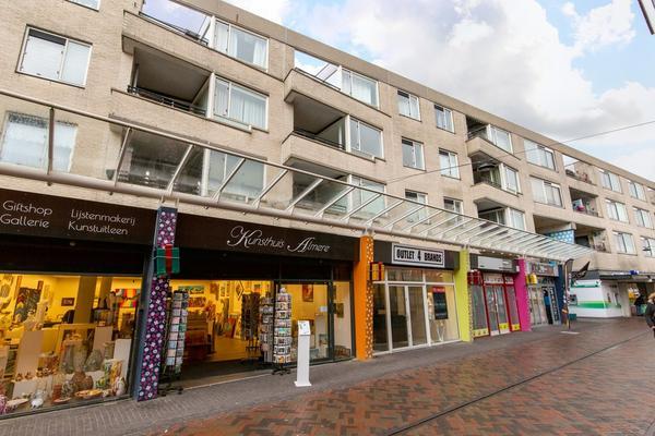 Globeplein 42 in Almere 1334 BV