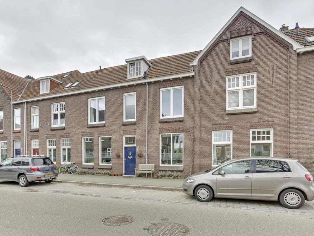 Robert Regoutstraat 40 in Roermond 6042 CN
