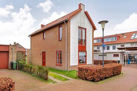 L.A. Braakstraat 2 in Aalsmeer 1432 PP