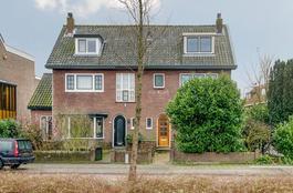 Prins Bernhardlaan 22 in Uithoorn 1421 AM
