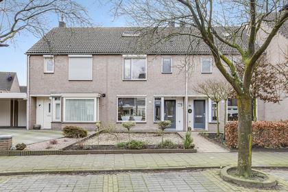 Robijnstraat 17 in Helmond 5706 DH