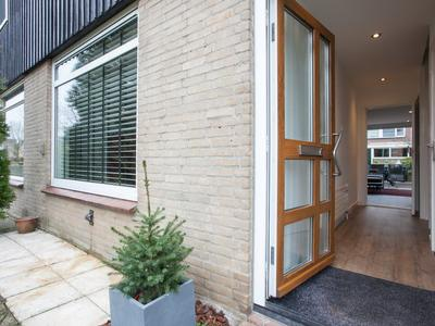 Rembrandt Van Rijnweg 16 in Ouderkerk Aan De Amstel 1191 GG