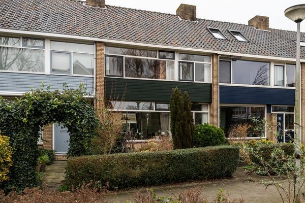 Bernhard Zweersstraat 15 in Ridderkerk 2983 BA