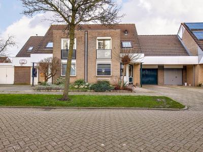 Hazeleger 25 in Zeewolde 3892 WH