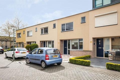 Van Ravesteyn-Erf 420 in Dordrecht 3315 DS