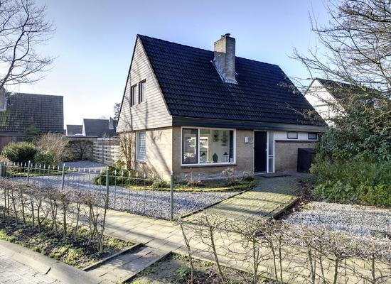 Burgemeester Hooft Van Iddekingesingel 4 in Appingedam 9902 NA
