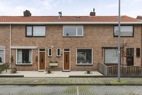 Vrijlandtstraat 69 in Pernis Rotterdam 3195 VS