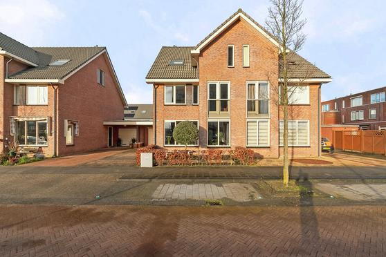 Krollerhaven 35 in Barendrecht 2993 ED