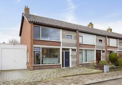 Rector De Kortstraat 17 in Halsteren 4661 CX