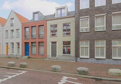 Spoorstraat 99 in Den Helder 1781 JE