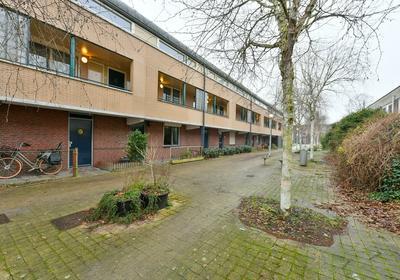 Bep Van Klaverenboulevard 18 in Amsterdam 1034 WP