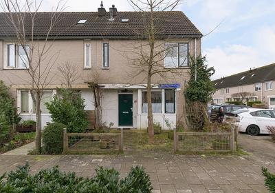 L.C. Van Der Vlugtstraat 102 in Almere 1333 MR