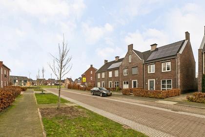 Nassaustraat 24 in Beek En Donk 5741 HR