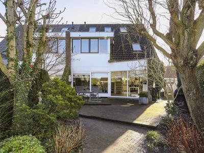 Koolwitjehof 104 in Schiedam 3124 BL