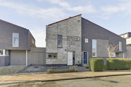 Geert Van Der Zwaagweg 32 in Heerenveen 8448 RM