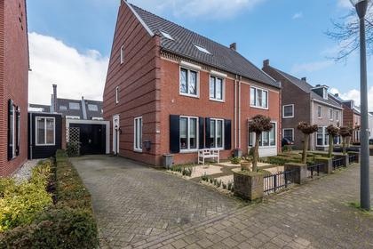 De Langekker 14 in Helmond 5706 SJ