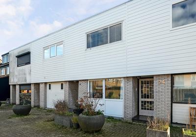 Moezeldal 26 in Capelle Aan Den IJssel 2904 CV