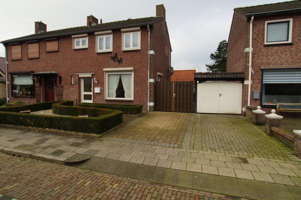 Poppestraat 45 A in St. Willebrord 4711 EW