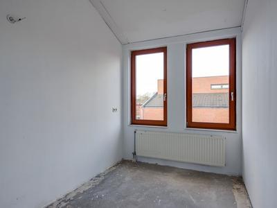 Zellingstraat 2 in Pernis Rotterdam 3195 GV