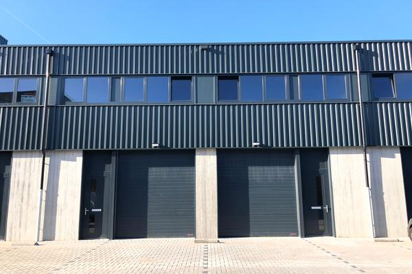 Pesetaweg 87 D-E in Nieuw-Vennep 2153 PJ