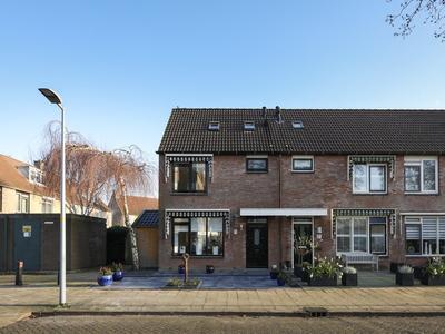 Turfsteker 85 in Nieuw-Vennep 2152 LZ