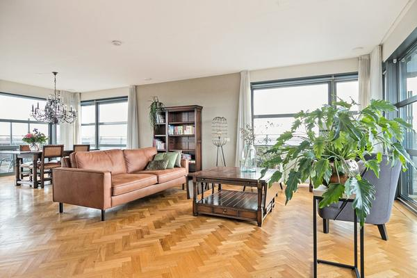 Villa Dotterbloem 49 in Waalwijk 5146 AA
