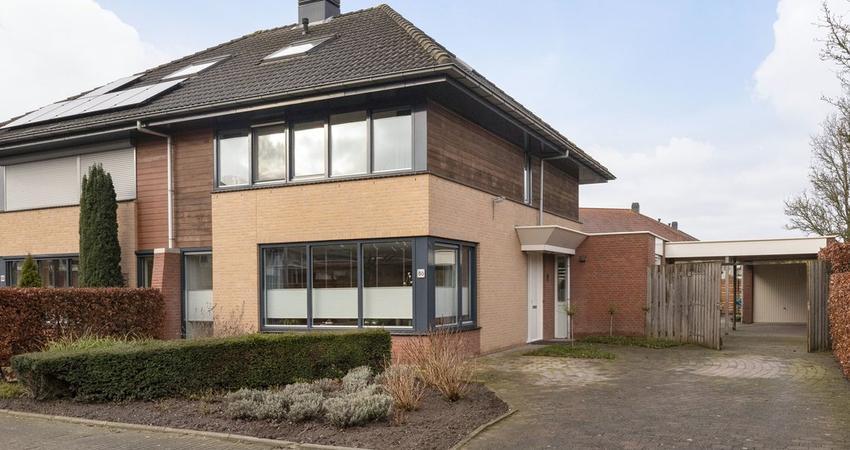 J. Van Zantenstraat 86 in Meteren 4194 VC