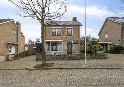 Waterstraat 52 in Halsteren 4661 RB