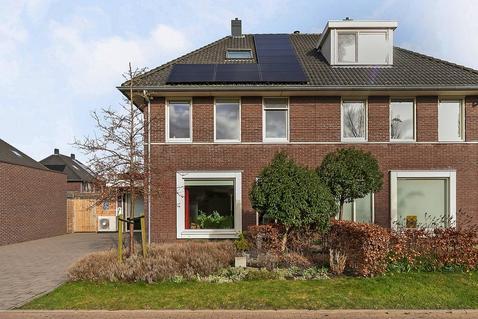 Reinder Terpstralaan 28 in Franeker 8802 BS