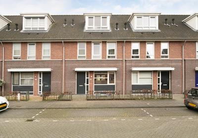 Televisiestraat 69 in Roosendaal 4702 PT