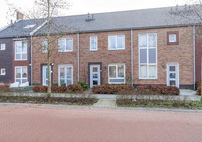 Waard 20 in Kampen 8266 LV
