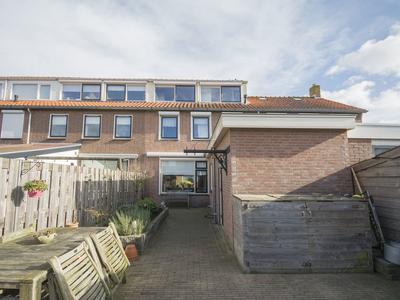 Van Ruysdaelstraat 4 in Hardinxveld-Giessendam 3372 XP