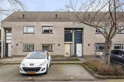 Middelweide 42 in Zaltbommel 5301 ZM