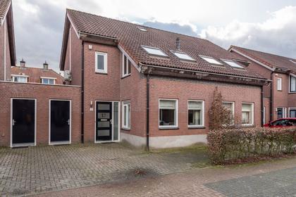 Lijsbeth Van Villeynstraat 17 in Helmond 5706 MJ