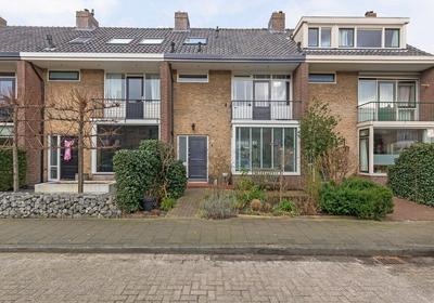 Jacob Catslaan 4 in Capelle Aan Den IJssel 2902 AH